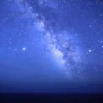 【神津島の星空】太平洋から昇る天の川が圧巻の光景。星空保護区を目指す夜空
